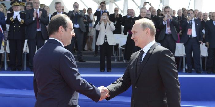 Vladimir-Poutine-remercie-Francois-Hollande-pour-les-ceremonies-du-Debarquement